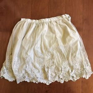 Forever 21 Flower Lace Mini Skirt (Size Medium)